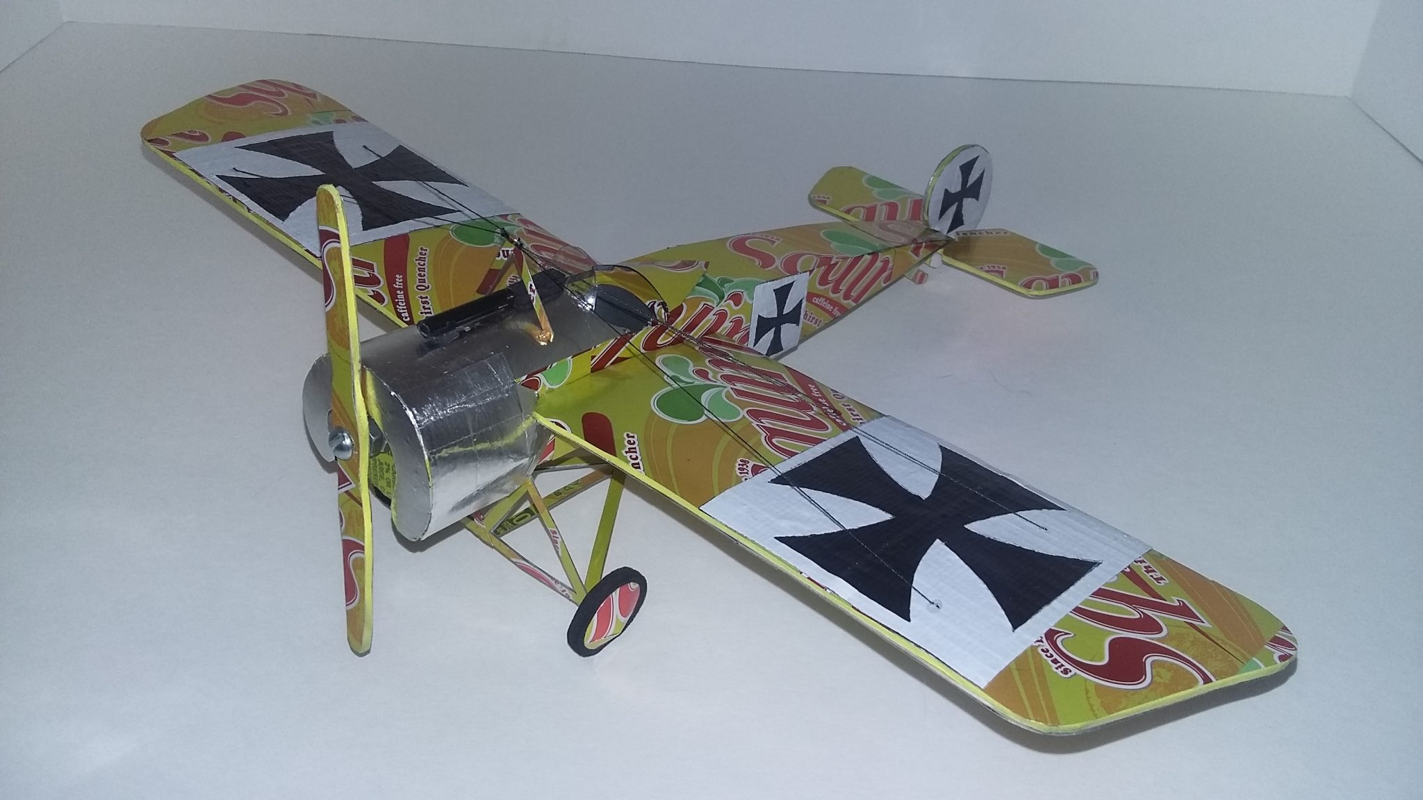 soda can airplane eindecker